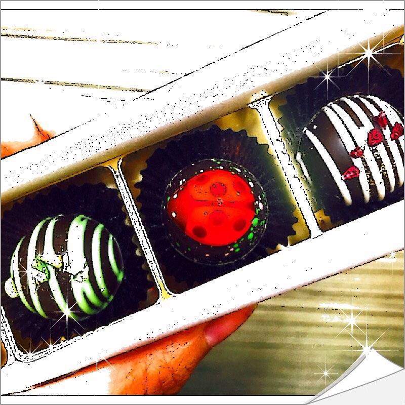 【グルメ探偵局】人気3品種のいちごを使用したチョコレートを食べ比べ!MAMANOのいちごファンタジー!