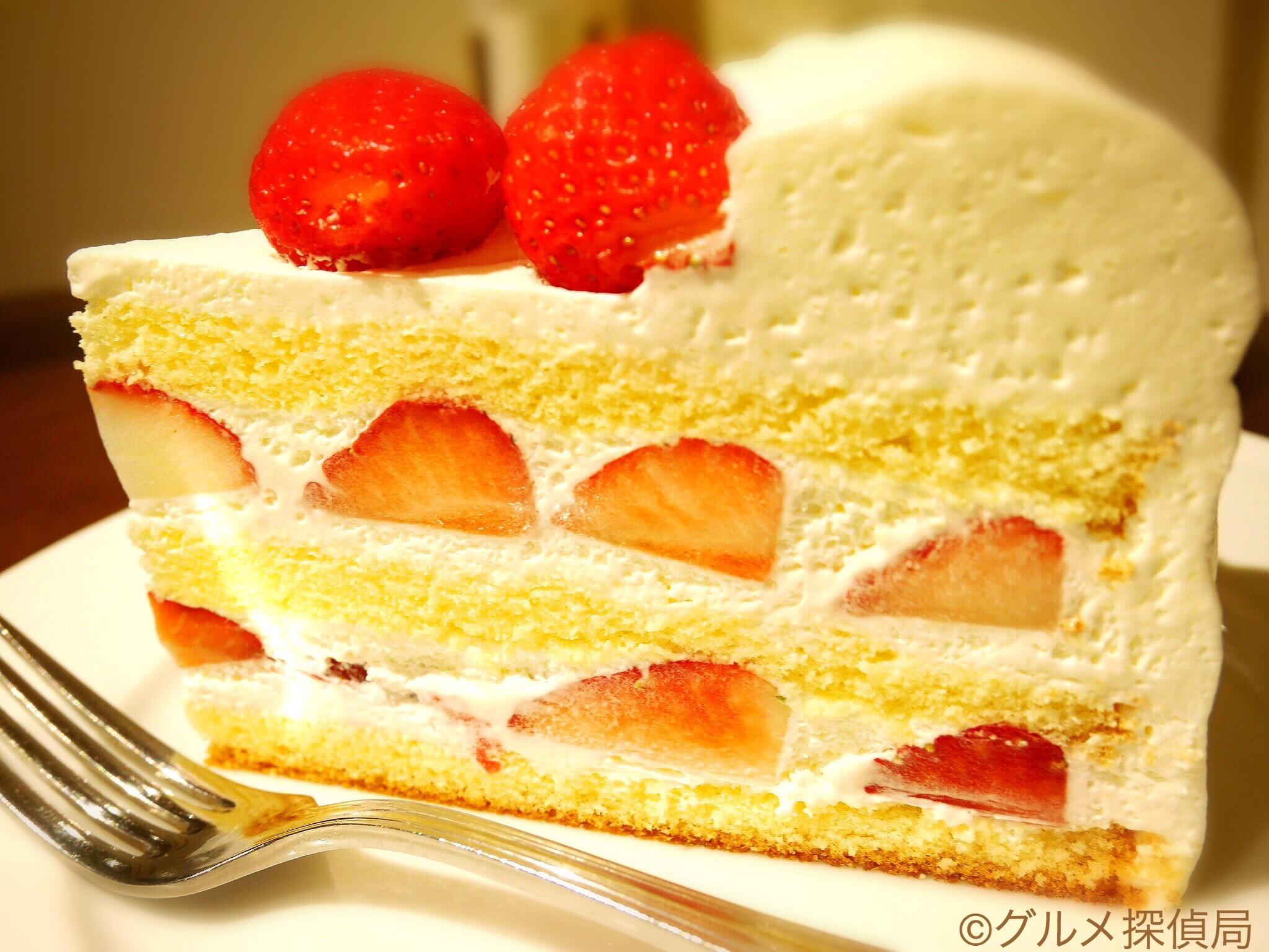【グルメ探偵局】※画像3 夏いちごのケーキ(横)